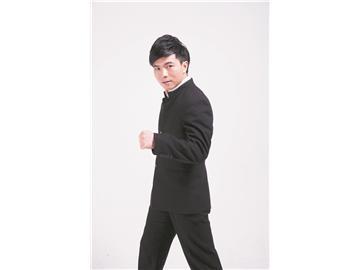 张华:热心公益的世界搏击冠军