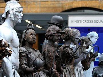 英国街头活体雕塑